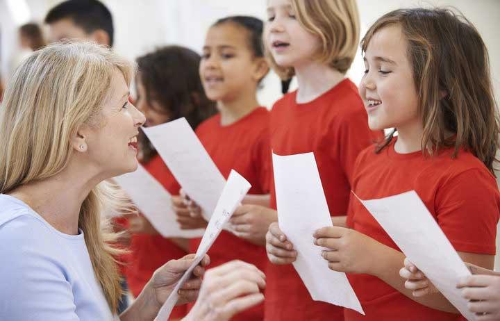 children-singing